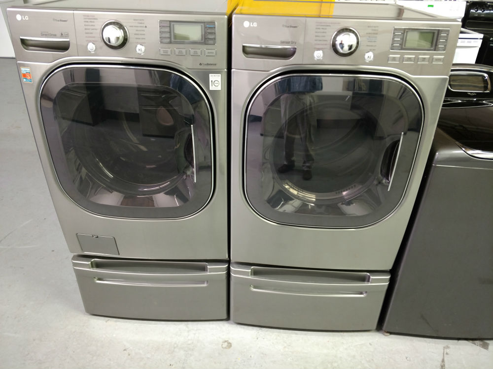 White LG washer and dryer